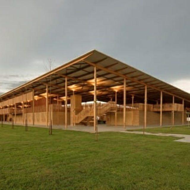Escola de madeira na Amazônia é eleita melhor obra de arquitetura do mundo